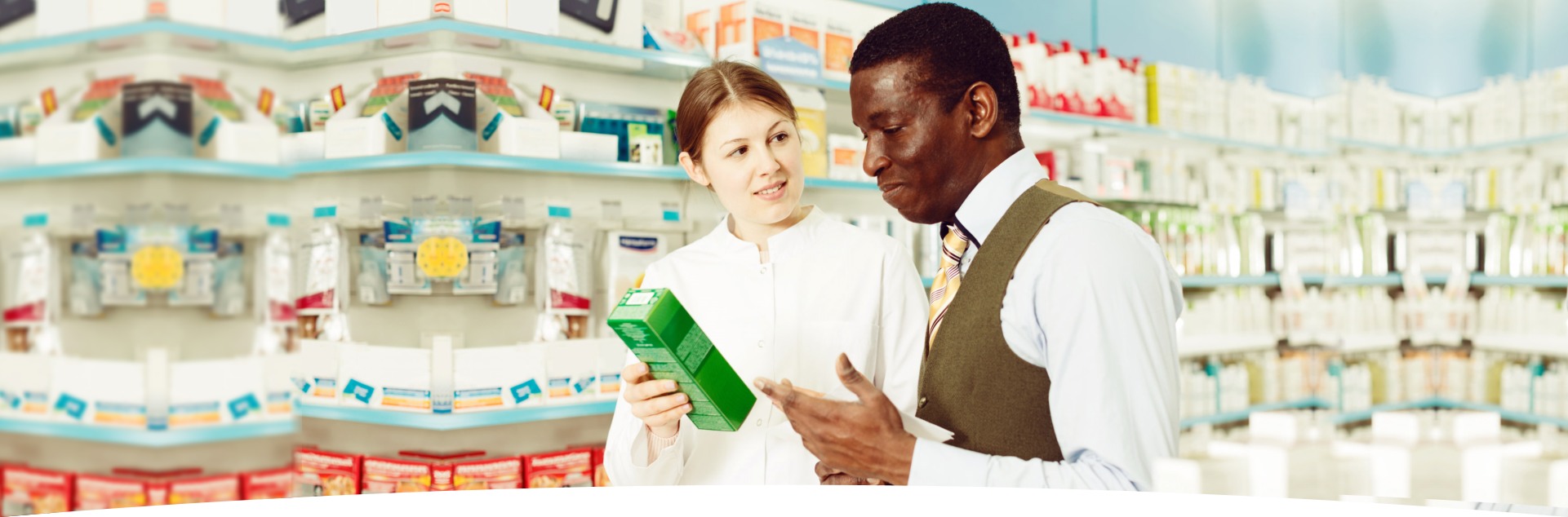 Pharmacist and customer in pharmacy 4